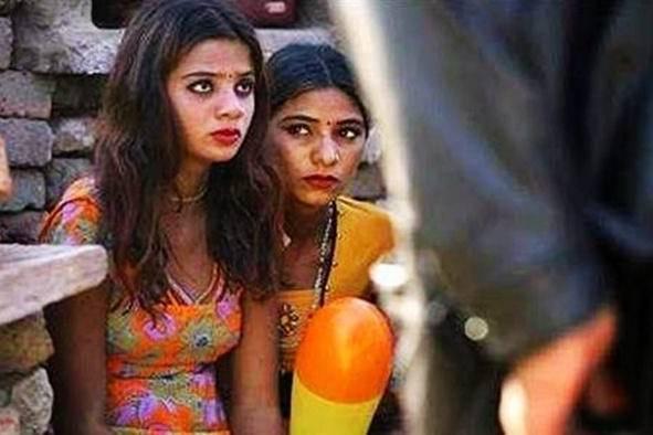 印度女生漂亮,为什么少嫁外国人?网友:太辛苦伤不起
