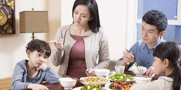 妻子生下两个宝宝,丈夫欣喜若狂,没想到却被医生说不是双胞胎