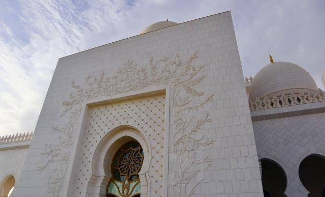 原创            阿联酋最奢华的清真寺,耗资约55亿美元,美哭!