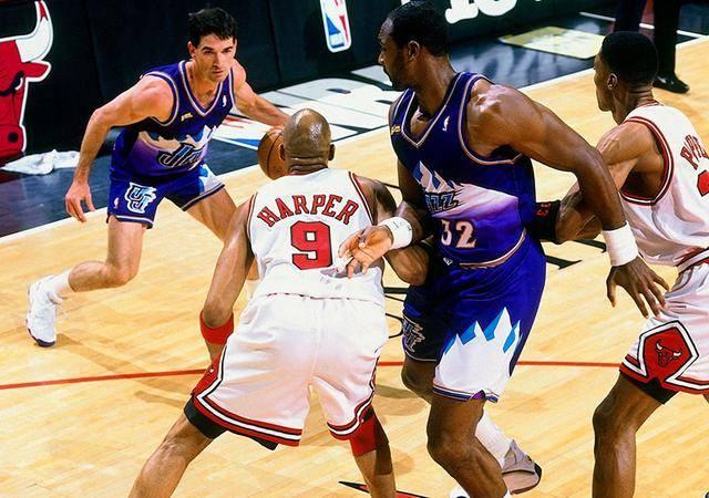 绿军球星:NBA挡拆进攻战术的规范,是乔治和伦纳德!
