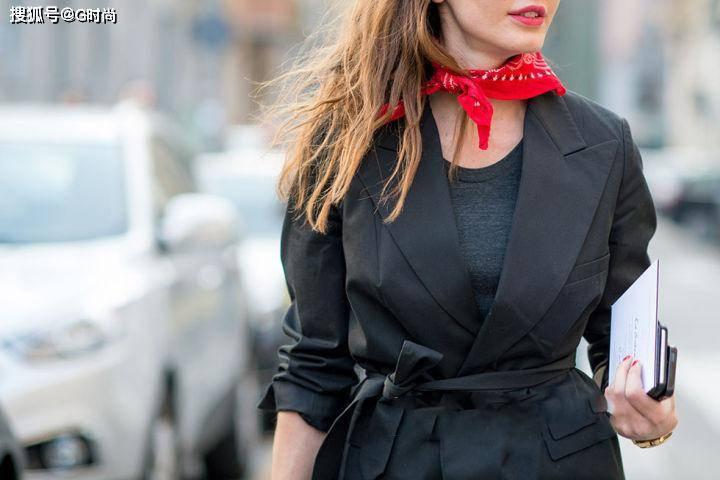 岁数大怎么穿出优雅时尚范,这样搭配减龄又时髦,让人眼前一亮