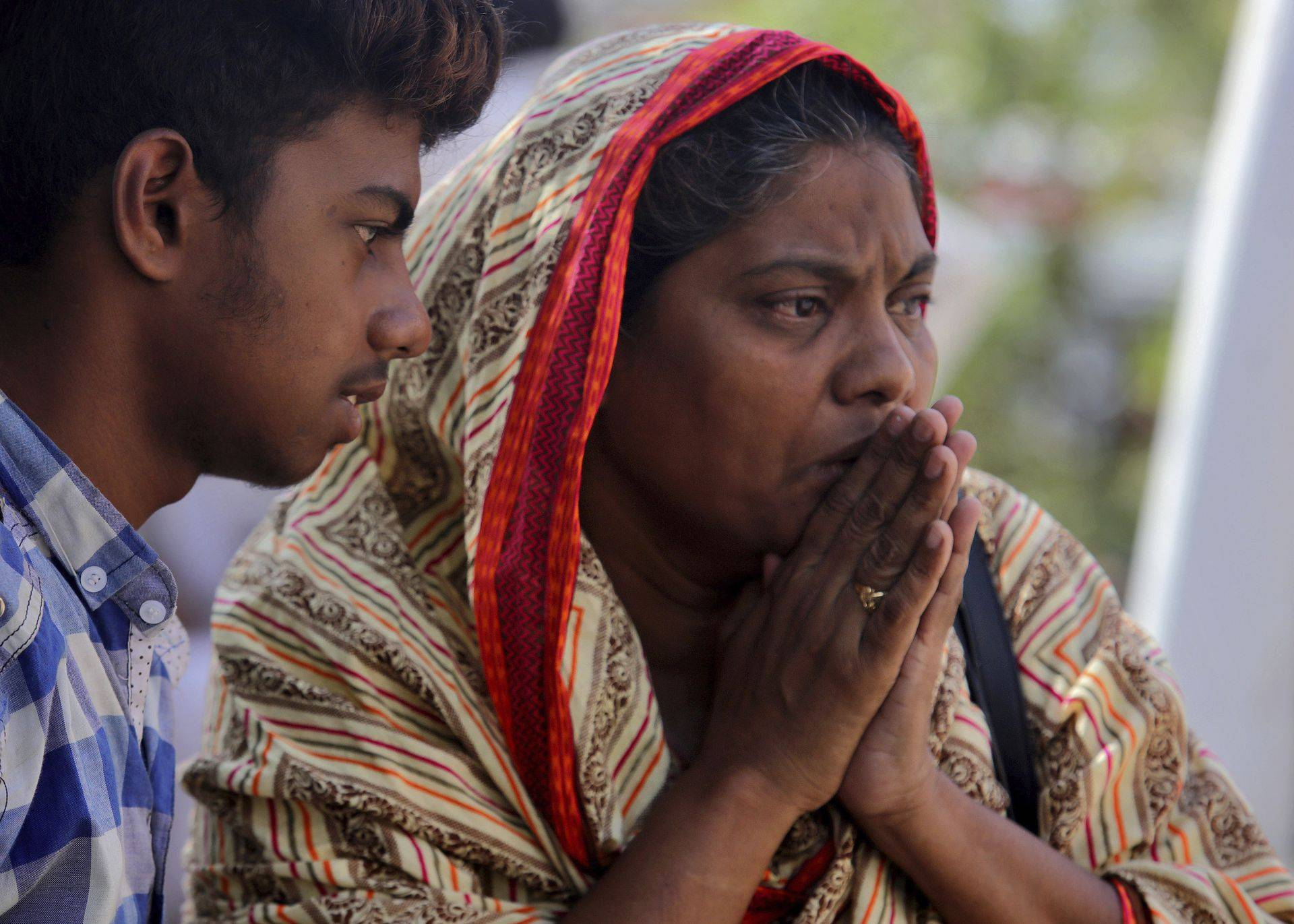 巴基斯坦坠机幸存者讲述经历
