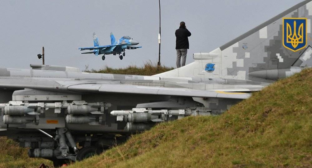 5月31日全球军事:俄战机监视美军轰炸机乌克兰升空苏27护航