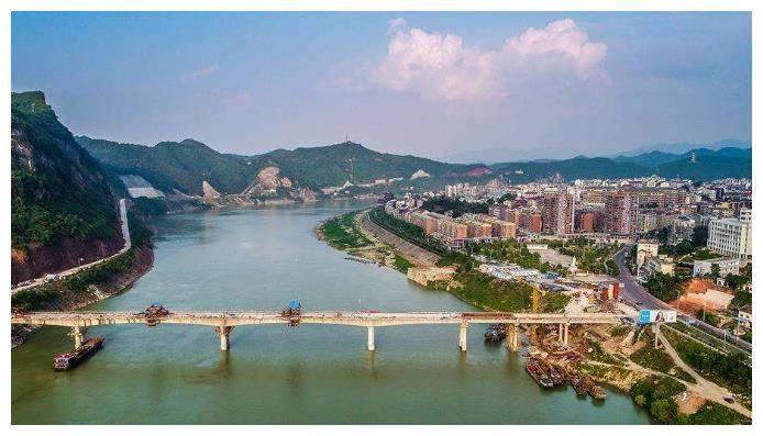 泸溪县人口2020总人数口_泸溪县全景图片