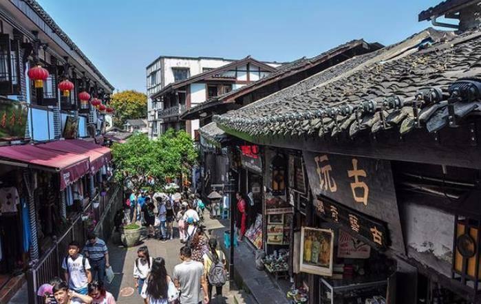 """我国最""""难""""的城市:经济总量仅次广州,人均GDP却不及乌鲁木齐"""