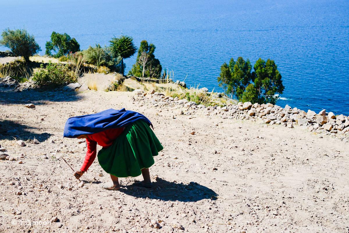 印加圣湖上遗世独立的小岛,这里男织女耕!