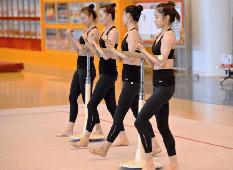 备战奥运!中国艺术体操队集训晒最新照片,网友:姑娘们太美了