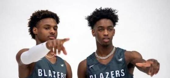 作为NBA联盟现役第一人詹姆斯的儿子布朗尼和闪电侠的儿子扎伊尔的篮球实力都十分不错