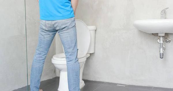 寿命不长的人,排尿常有四个共性,若你占两个以上,需要保养了!