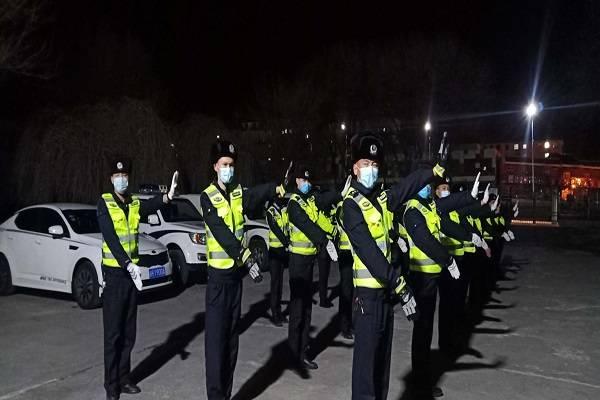 吉木乃县公安局组织开展实战大练兵交通指挥手势训练