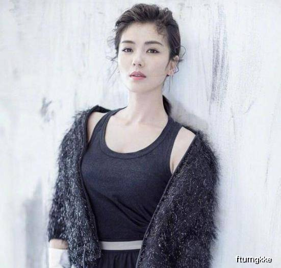 原创封面写真:刘涛好仙女,网友却喊帅的想嫁,赵丽颖穿出杨幂时尚度