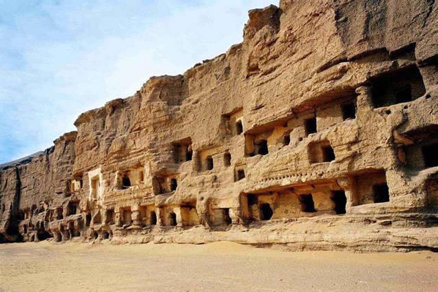 发现敦煌千年藏经洞的王道士是莫高窟的功臣还是罪人?