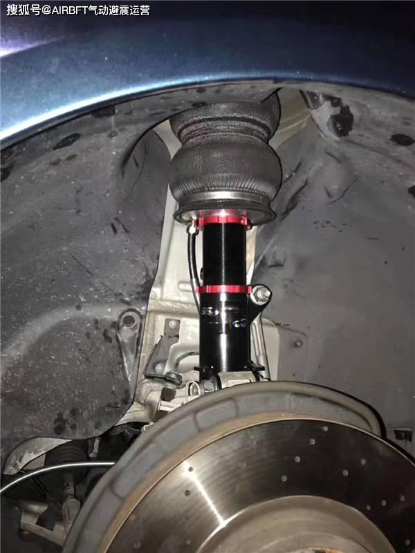 李洋讲述国外客户反馈奔驰cla改装airbft气动避震品牌图片