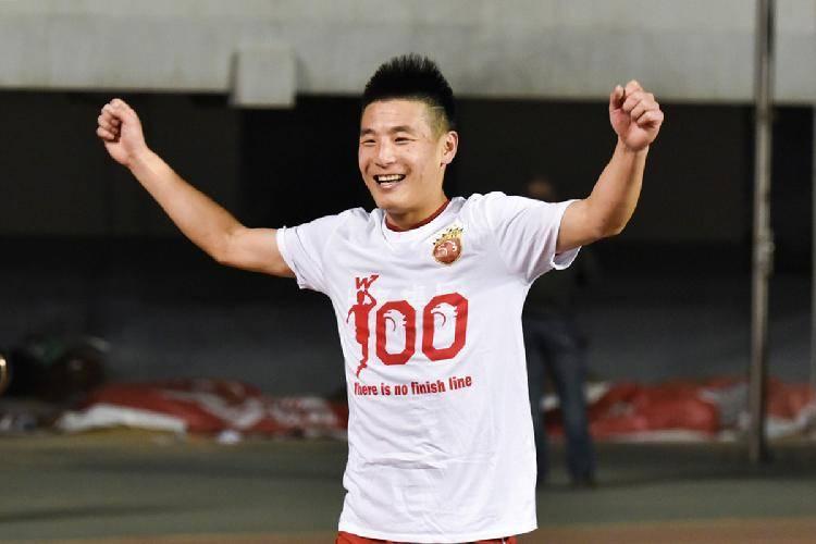 据重庆晨报报道,近日,上港球员于海接受采访时透露,武磊虽然已经加盟西班牙人