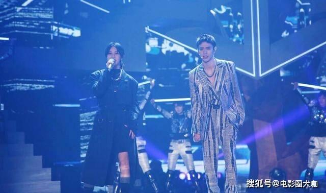 看到尚雯婕的表演,网友惊呆了,这姐唱跳全能是藏不住了吗