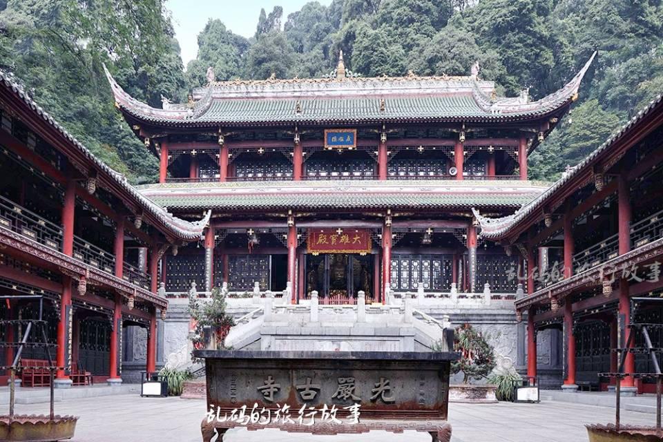 """原创             成都这座寺庙 高僧肉身600年不腐 门票免费被誉""""西川第一天""""!"""