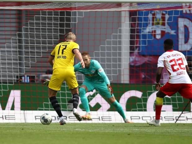 德甲-哈兰德造两球 多特2-0胜莱比锡锁定联赛亚军