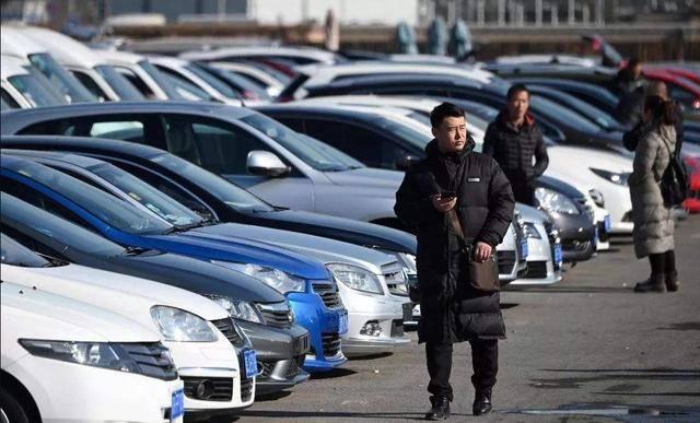 国内阵营华泰汽车跌一员,22万跌7万还卖不出去。它开始停止生产并清理仓库