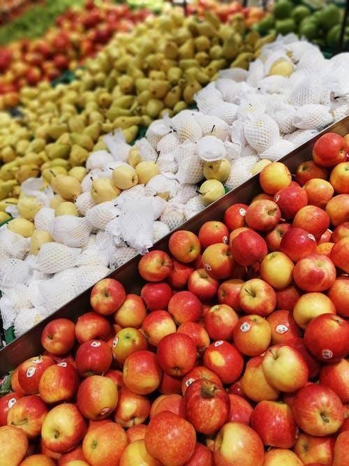 社区生鲜连锁超市行业属于批发零售行业