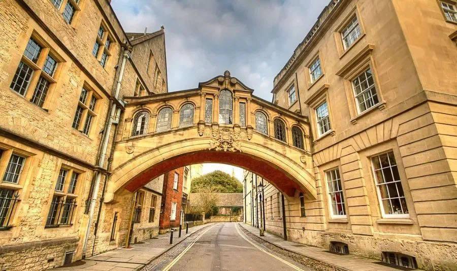 英国留学:全球疫情背景下,为什么今年英国留学需求猛增?