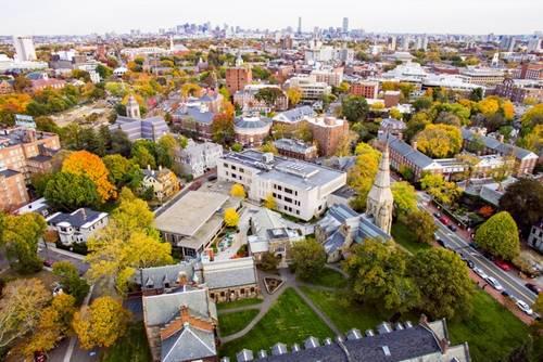 2020美国留学热门专业高校薪资排行榜,前三花落谁家?
