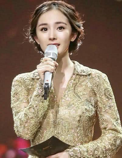 都说杨幂留短发很丑,本来不相信,看到她的锅盖头发型全网沉默了