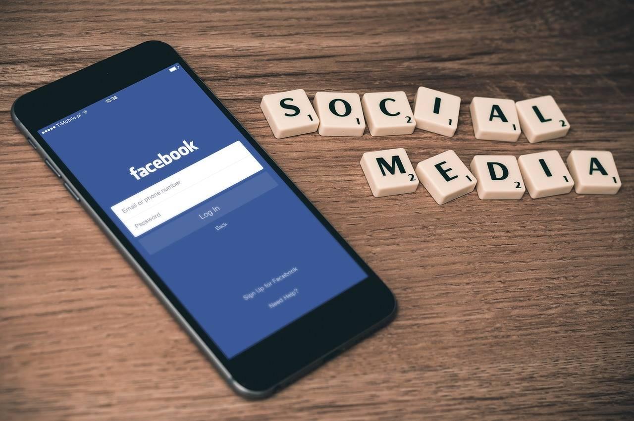 脸书和推特股价双双大跌,这两大世界互联网社交巨头到底怎么了?