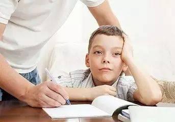原创孩子磨蹭又拖拉,越催越没效果?原来问题出在这,早知道早受益