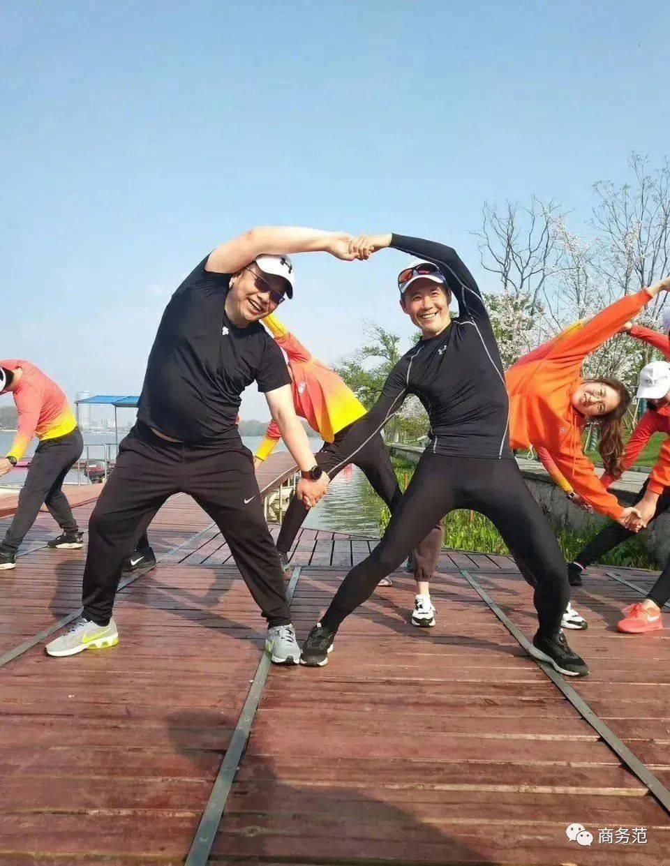 5个型男必备的健身衣品牌,夏天肌肉练起来 动作教学 第16张