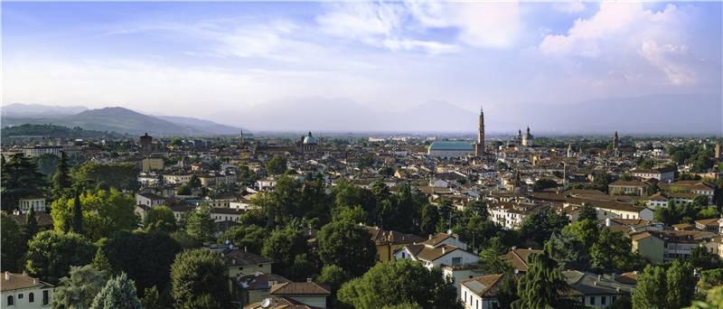 意大利维琴察市媒体积极报道两市抗疫经验交流深化合作视频会议<_意大利新闻_意大利中文网