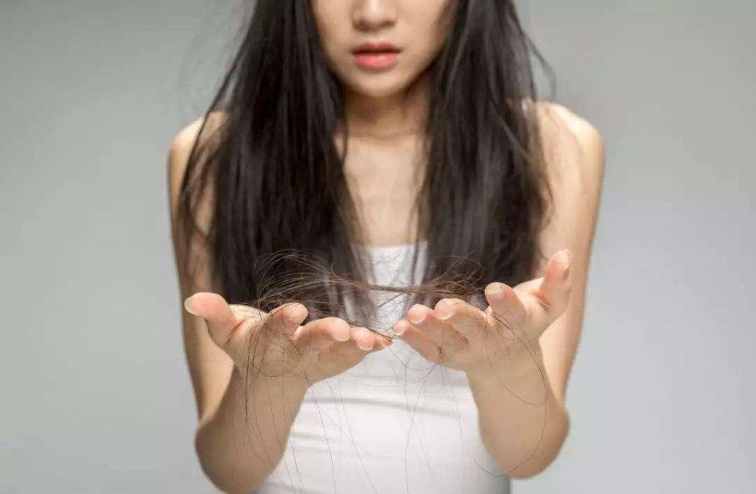 """原创产后头发""""大把掉""""?原因有这4个,学会这几招,你的头发有救了!"""