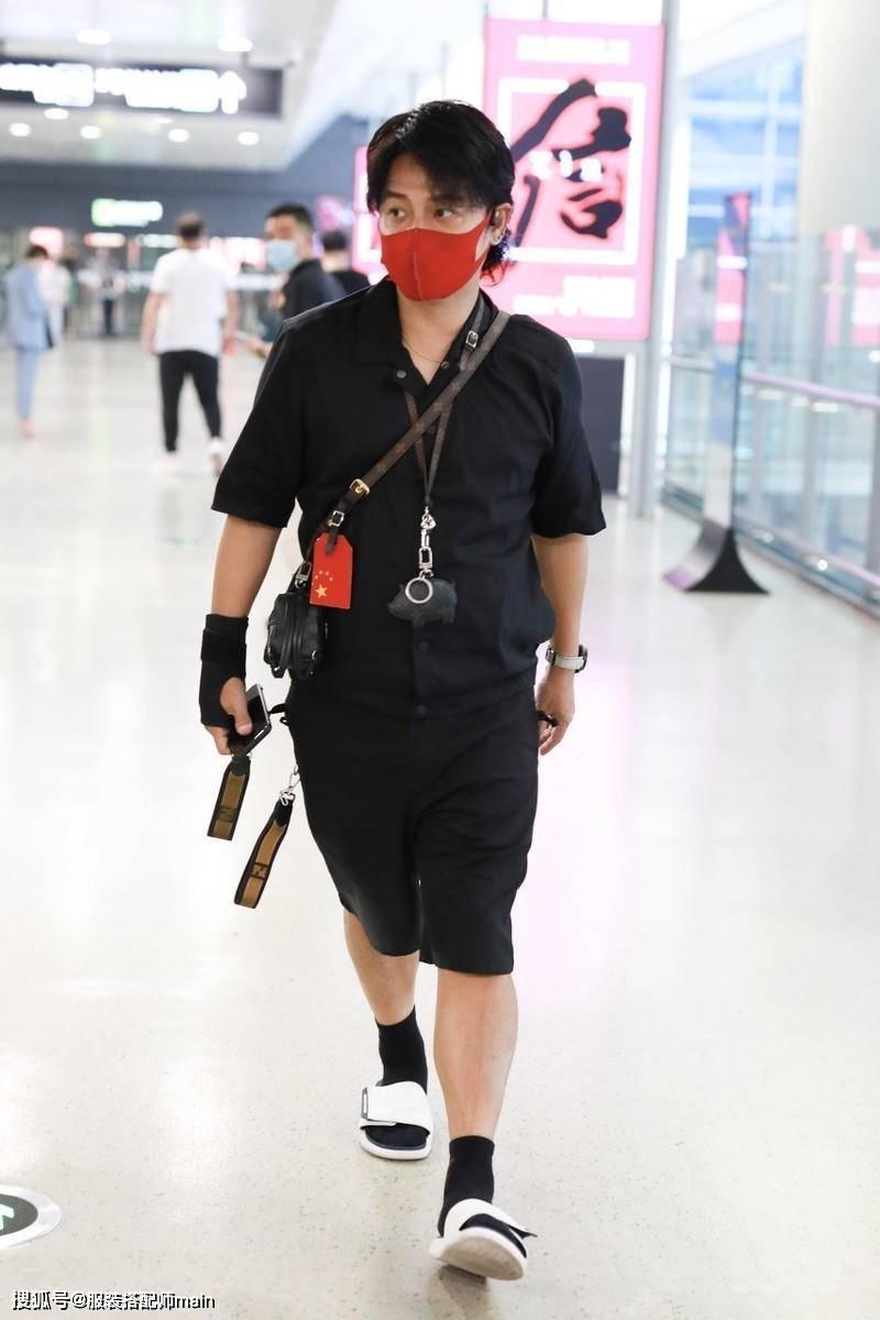陈志朋终于变型男,一身黑衣配中分短发,这才是我心中的小帅虎