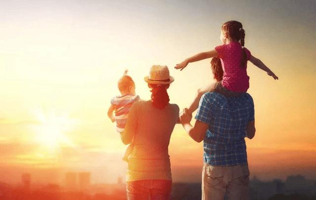 中年夫妻关系不如邻居,为了孩子纠缠多年,真实情况让人心酸