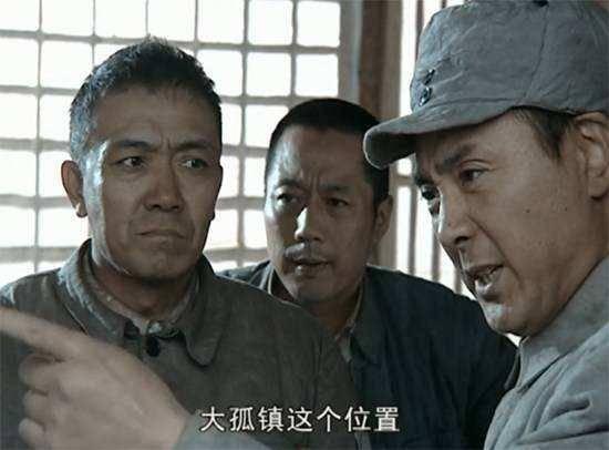 李云龙派三个营包围楚云飞一个营,说这是军事