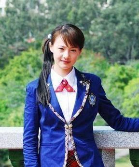 同样是穿校服装,杨幂似美少女,倪妮因这发型至少老十岁!