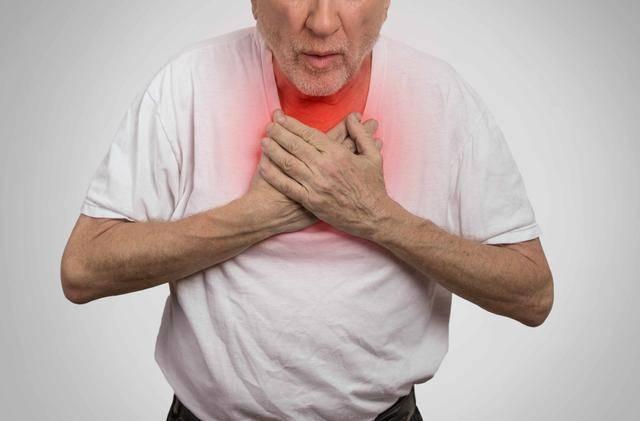 癌症一查出就是晚期?身体发出4个信号,是肺求救!两类人要记牢