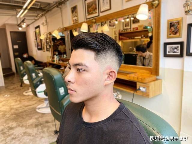 """原创能剪这4款""""两边剃光""""发型的男生,颜值都不会差"""