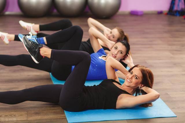 不要急着虐腹!瘦肚子的几个步骤:学会4个动作,铲平肥肉