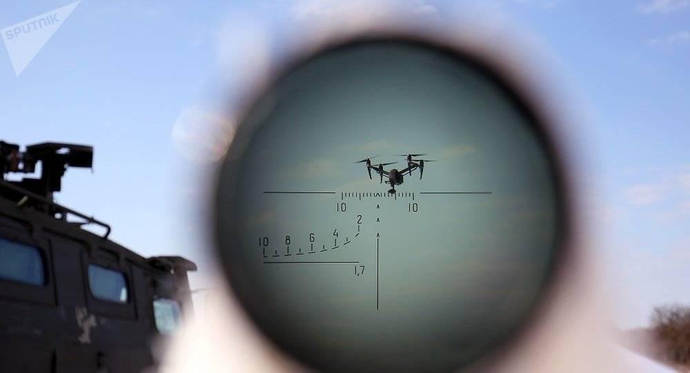 大批不明军机突然现身,俄军下令立即开火,白宫质问为何不先警告