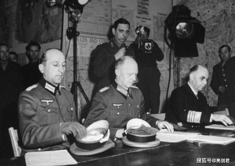 轰轰烈烈撤军不是真撤,德国不想留美国不想走,俄罗斯:一场闹剧