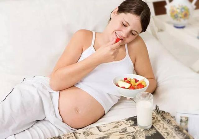 几类食物怀孕后最好少吃,以免影响羊水质量,伤胎又伤己