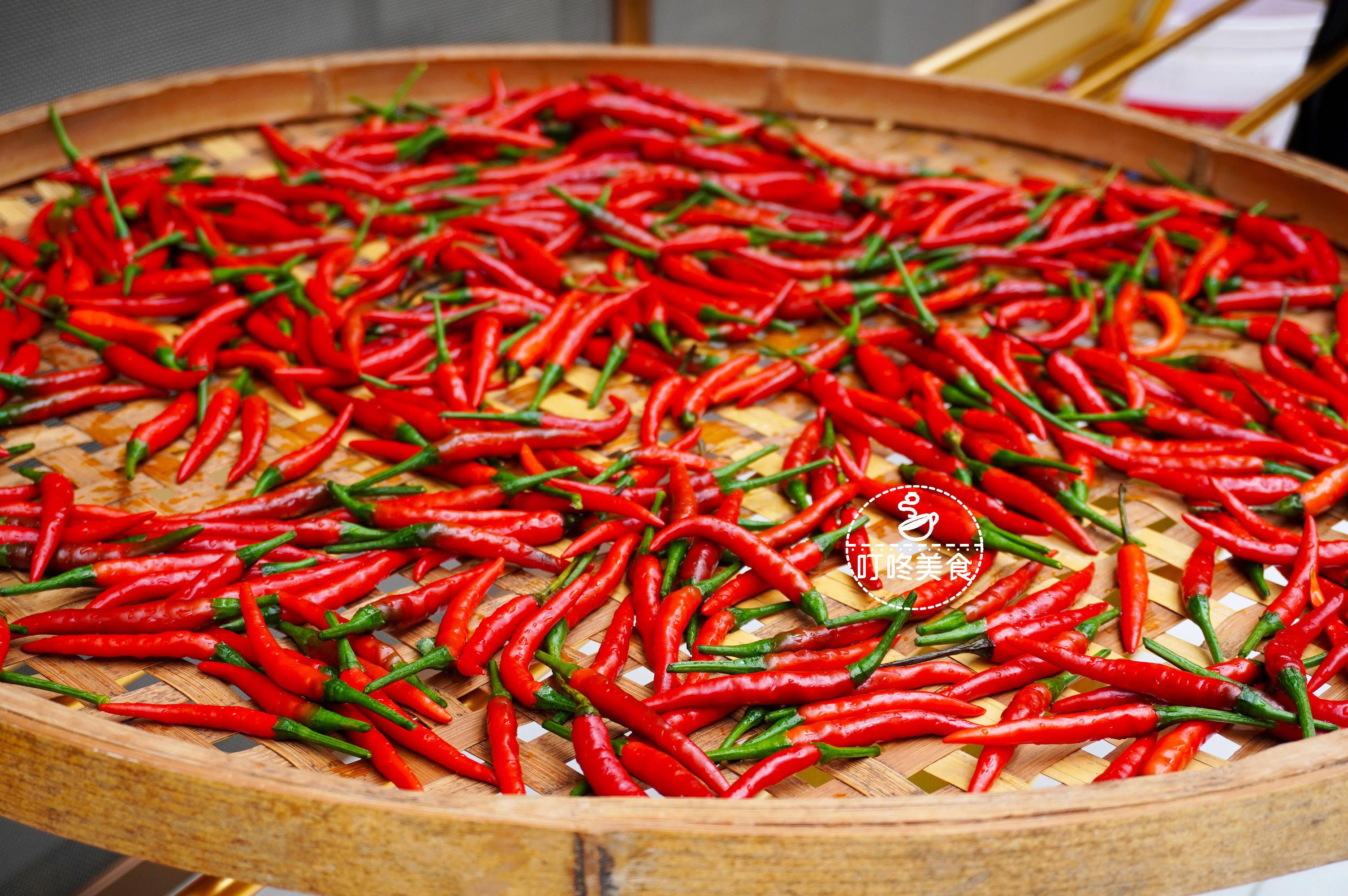 想吃辣椒酱不用买,自己做超简单,香辣入味,干净卫生0添加剂