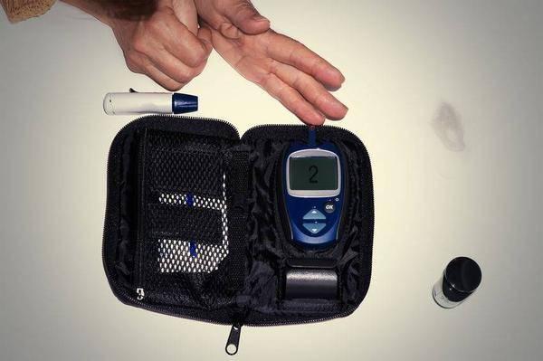 远离糖尿病,牢记3种食物,每周吃一次,清除血管垃圾,血糖慢慢稳下来