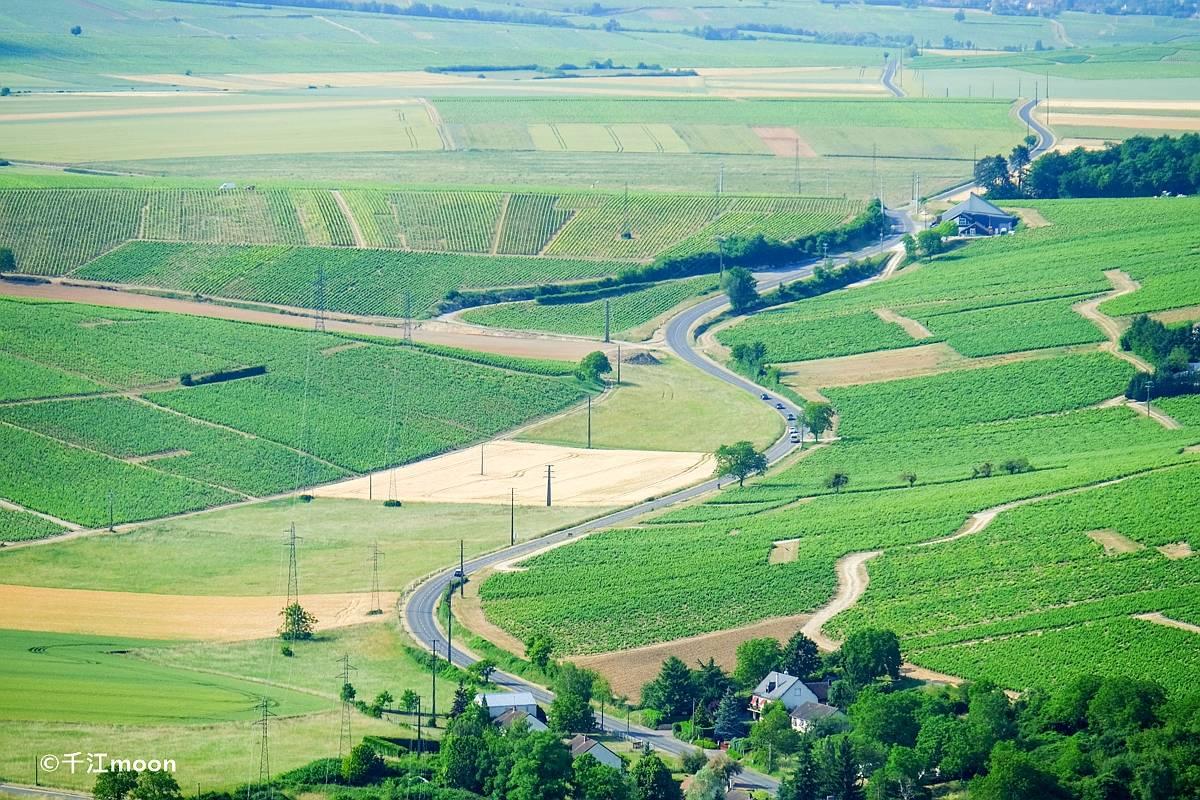 法国桑塞尔:全球顶级白葡萄酒产地,风景如画!