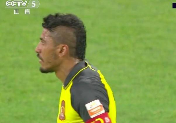 恒大20秒光速打脸,中国C罗世界波造脱手,保利尼奥进球失而复得