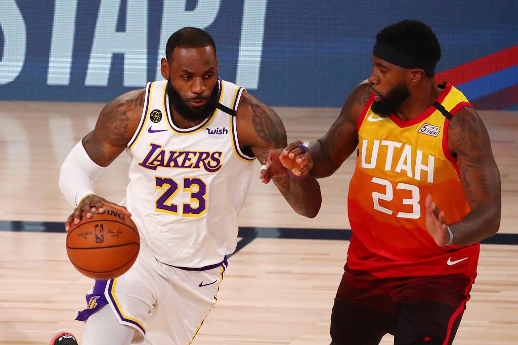 NBA常规赛的排位赛阶段继续进行,湖人队迎战爵士队