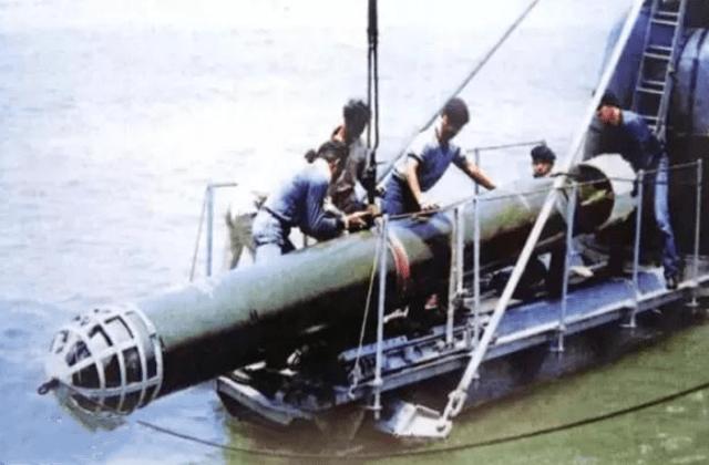 二战奇葩的军事发明,第1非常不靠谱,第2用狗去对付坦克