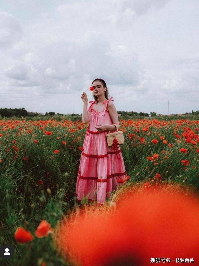 收藏贴丨想学习倪妮的拍照风格,你也可以跟着这位时尚博主学习一下!