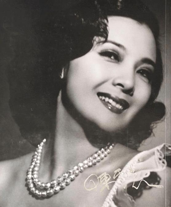 陈云裳:《木兰从军》炒出来的大明星,要家庭不要事业的电影皇后
