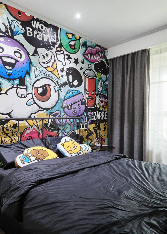 找回童年记忆,用夸张的墙贴装饰墙面,全屋设计时尚又不乏个性!